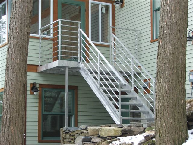 Aluminum landing and stairs - Lake Dunmore, VT